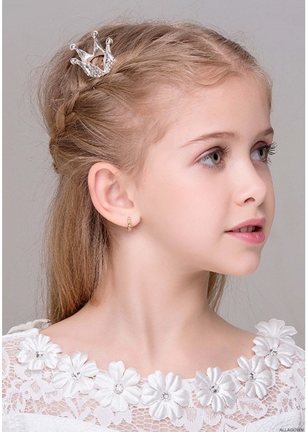 Delicate And Compact Tiaras